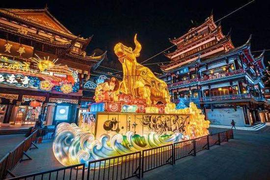 大豫园片区元宵节齐联动 接驳车穿越传统与摩登