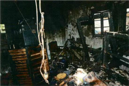 男子在自家纵火自杀殃及邻居造成财产损失 获刑3年10个月