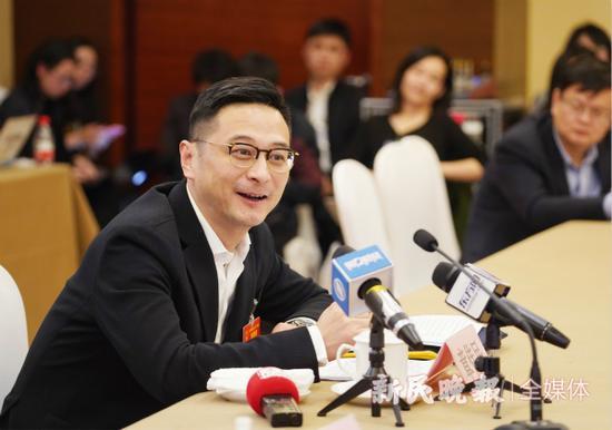 图说:章伟民代表。新民晚报首席记者 刘歆 摄