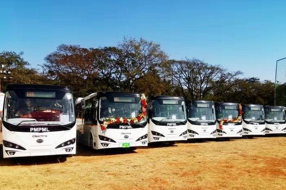 比亚迪纯电动巴士K7车队在浦那运营