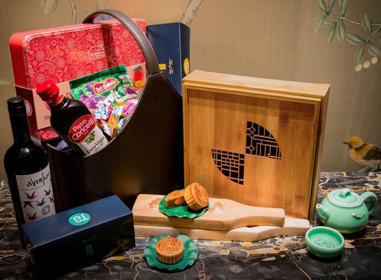 礼赏中秋 上海万达瑞华酒店中秋月饼礼盒强势出击