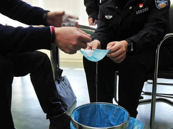 沪警方严打制售假劣防疫物质犯法 抓获犯法嫌疑人25名