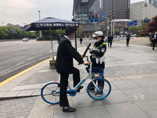 上海公安严查严管非机动车和行人交通违法 案例公布