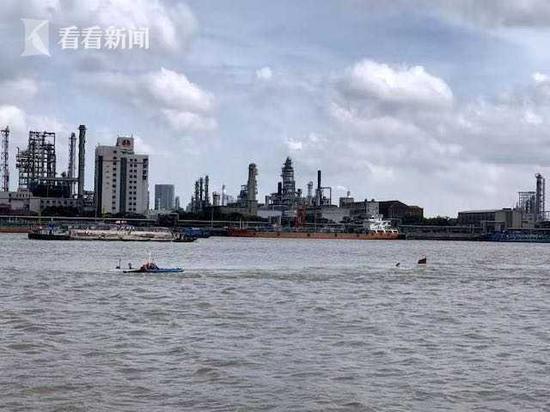 一货船在杨浦水产三批码头附近水域自沉