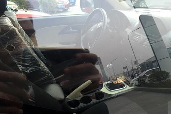 金杯全新SUV内饰谍照曝光
