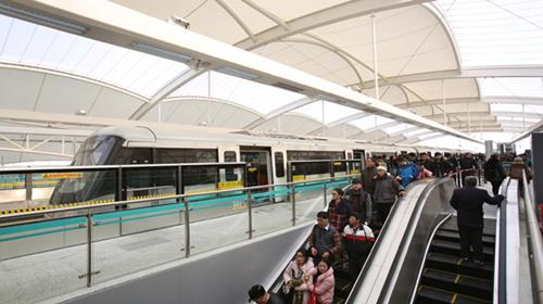 地铁16号线总是很拥挤