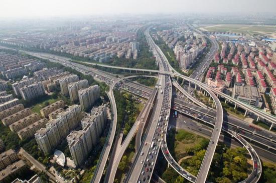 专家:沪宁沪杭高铁已饱和 长三角城市群应打造网状交通