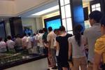 浦东房地产交易中心大排长龙 购房者担心楼市加码