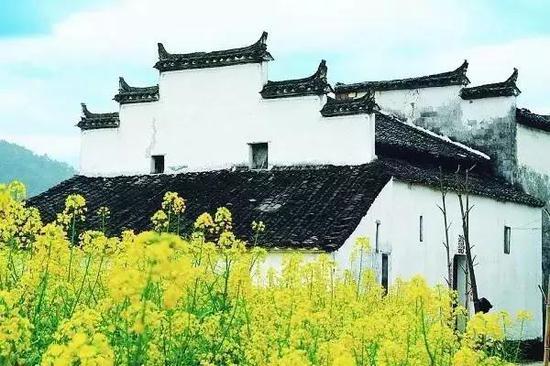 <a href=http://www.cnscnet.com/shanghai/ target=_blank class=infotextkey>上海</a>到婺源