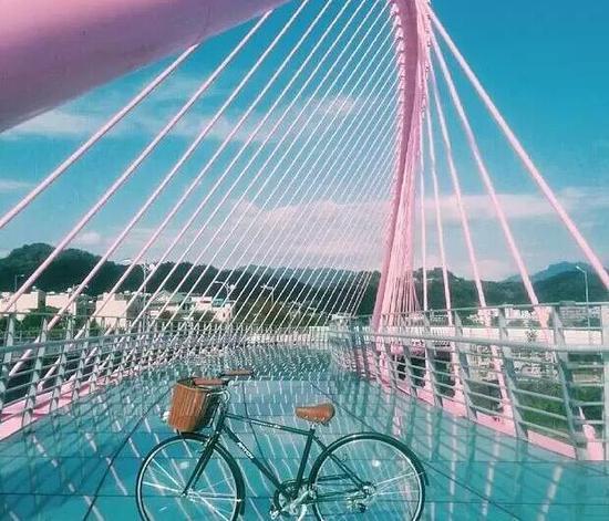 大坑粉红情人桥