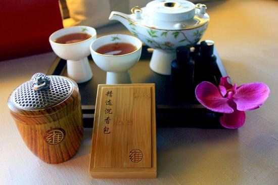 在这个歌颂母亲的时节里,上海浦东四季酒店将珍贵的沉香结合在水疗