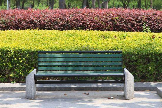 夜公园里的长椅