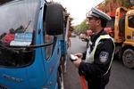 上海加强渣土车管理 撞外白渡桥企业被停业一个月