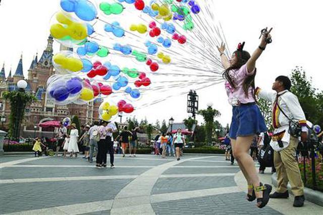 上海迪士尼开幕一周年 千万游客超2/3来自上海以外
