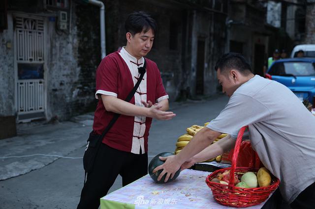 男人帮黄磊沙溢手劈水果 王迅练蛤蟆功