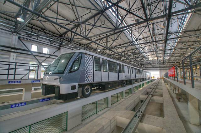 轨交浦江线进入列车试跑阶段 预计年底通车