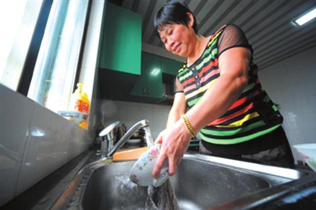 市城投水务集团重点监测3千个小区 确保居民用水需求