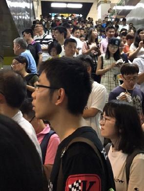 上海地铁三线路早高峰接连故障