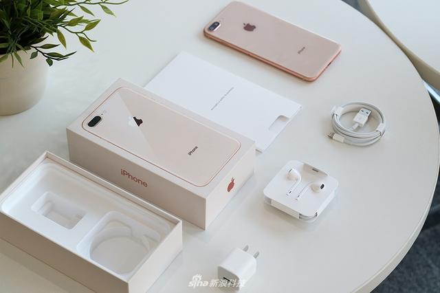 苹果iPhone 8首发评测:从7到8的N个理由