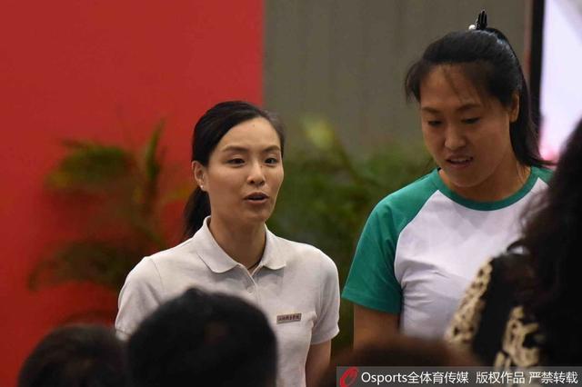 吴敏霞入学上海体育学院 开学典礼代表新生发言