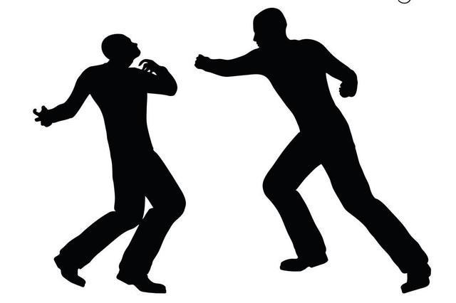 男子为女友出气认错人 将无辜路人殴打至鼻骨骨折