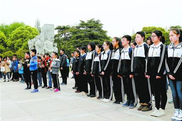 龙华烈士纪念馆连日迎来大客流 上海英烈纪念展引关注
