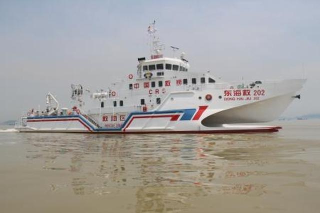 清明假期海上事故频发 东海救助局救起6名遇险人员