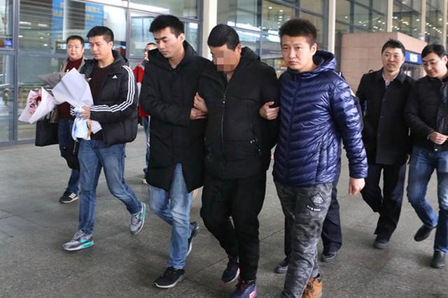 徐汇警方破获14年前杀人案 3名嫌犯冒充物业入室作案