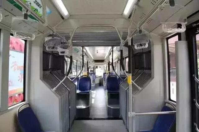 奉浦快线(区间)载客运营 享特殊待遇无缝对接8号线
