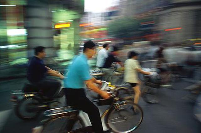 老上海街头的自行车记忆:清脆铃声满街荡漾