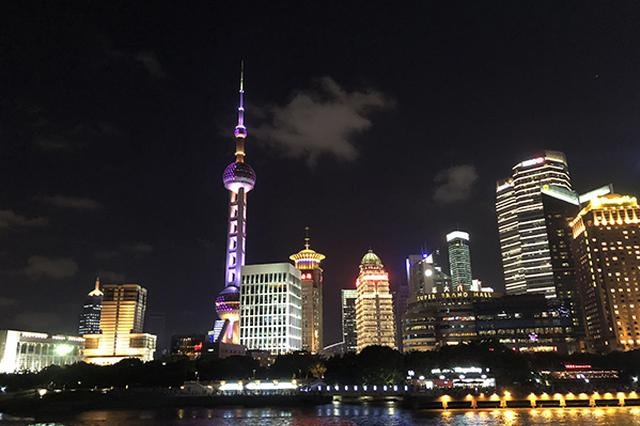 浦江游览龙船恢复运营 可容纳650位游客同时用餐