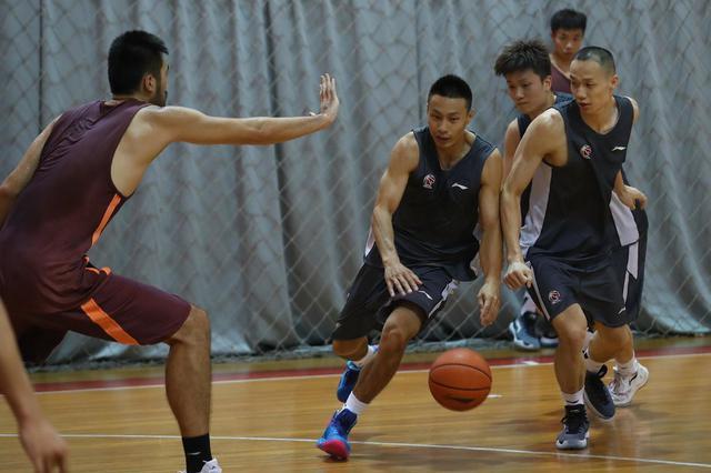 刘炜罗旭东回归上海男篮 后卫线强劲仍需补强四号位