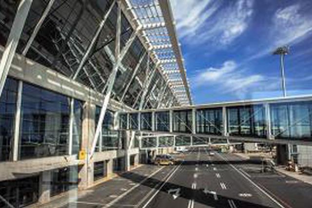 女子在沪浦东机场坠亡 警方:非网传原因不信谣不传谣