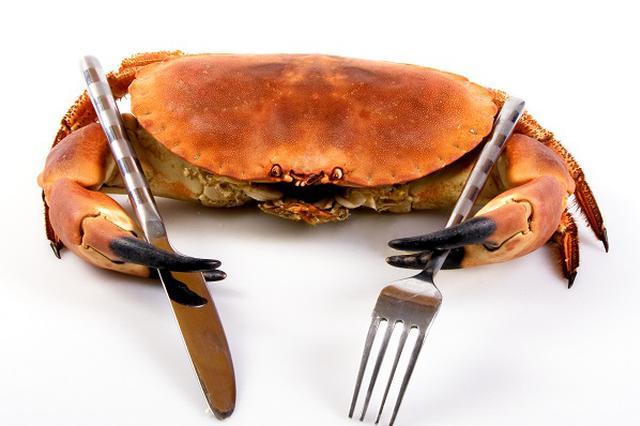 市民预订8只螃蟹到手变7只 商家拒绝担责称各管各的