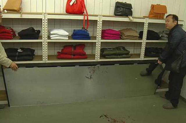 沪6岁女孩被商铺试衣镜砸中身亡 涉事商场、品牌回应