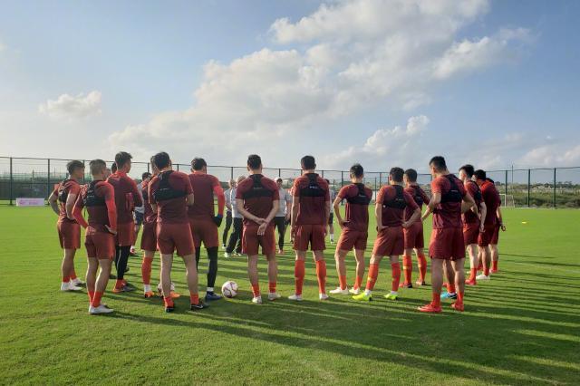 中国队亮相亚洲杯对阵吉尔吉斯斯坦 里皮:希望带来惊喜