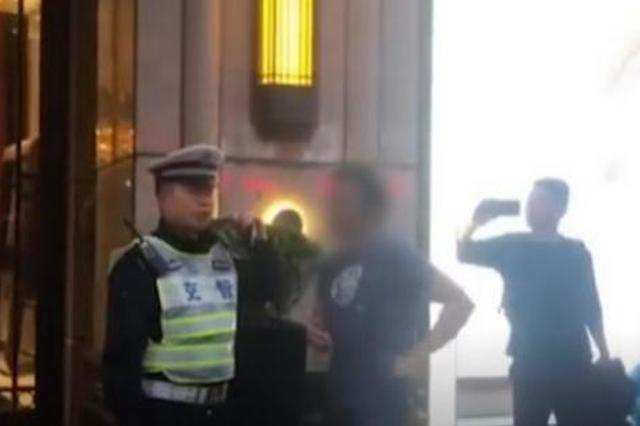 上海辅警硬气制止外籍交通违法者:法律面前人人平等