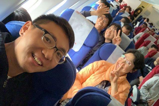首批斯里兰卡中国旅客抵沪 亲历者回忆令人煎熬24小时