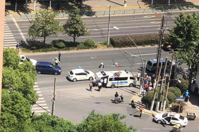 周家嘴路一路口一年内两次夺命 一女子过马路被撞身亡