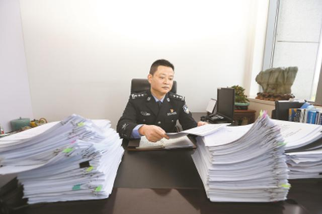 张琛从警25年屡破重案大年夜案 创建袭击套路贷的上海模式