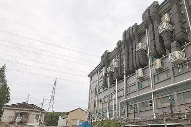 闵行曹中村一工厂紧邻平易近居 深夜噪音轰鸣扰人梦