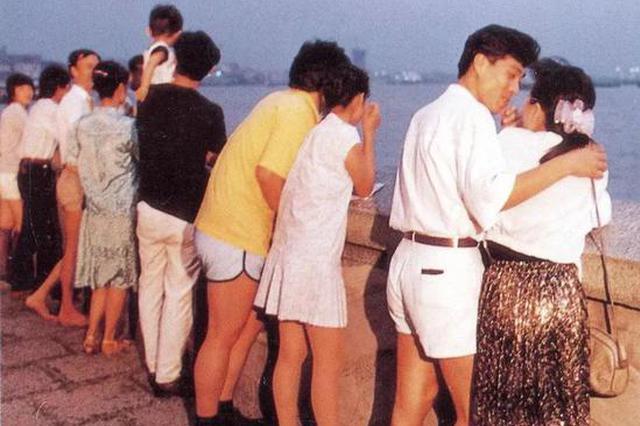外滩恋人墙:曾是沪上最有名约会圣地 颇具人文特点