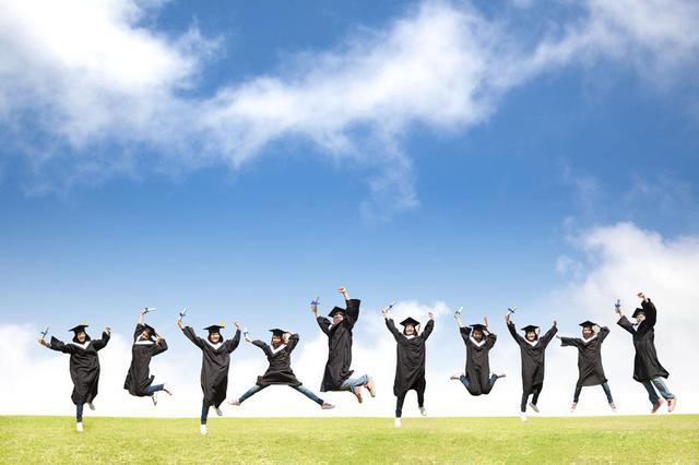 六成半大學畢業生自己掙房租 九成希望房租低于三千元