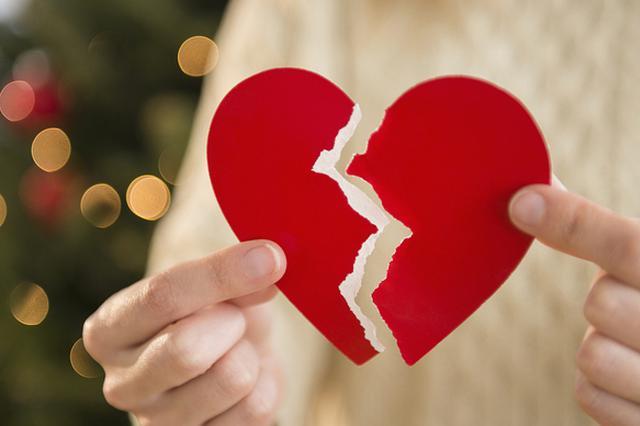 老婆5年后发明被丈夫离婚 告状小三请求拿回家当