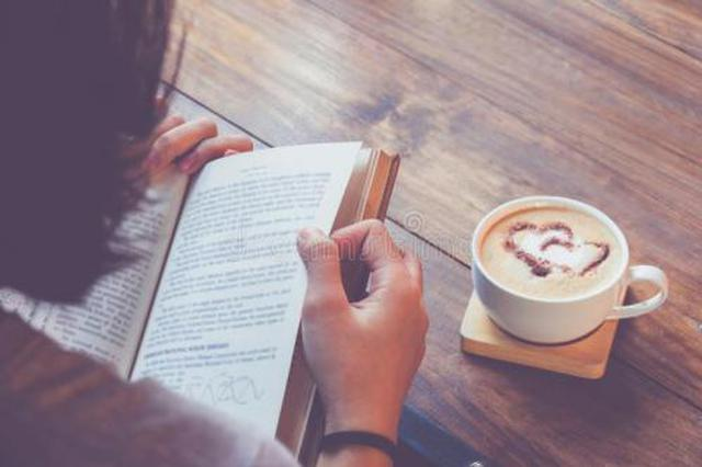 纸质书少则四五十动辄上百元 网友:书太贵了买不起
