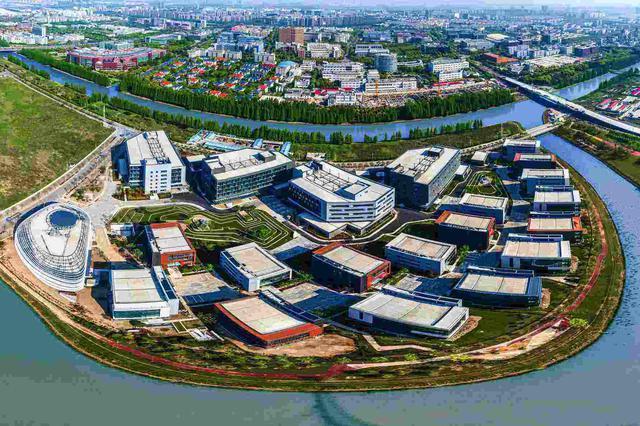 张江人工智能岛应用AI+无人机 园区管理更加便捷高效