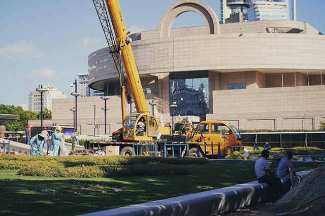 人民广场音乐喷泉改造进入收尾阶段 国庆节向大众开放