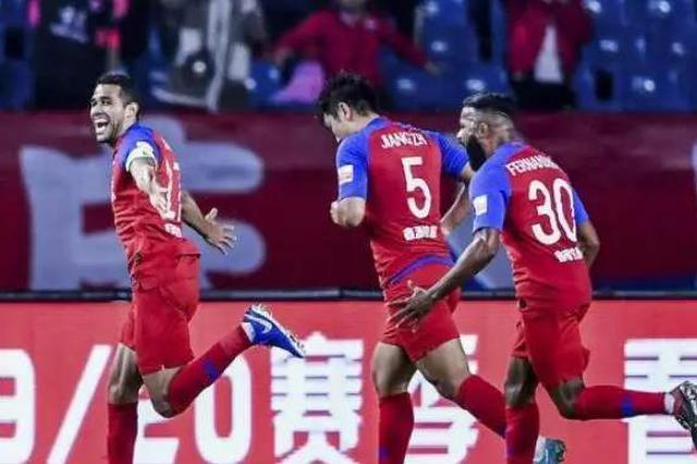 卡尔德克主罚点球破门 重庆斯威1:0小胜上海申花