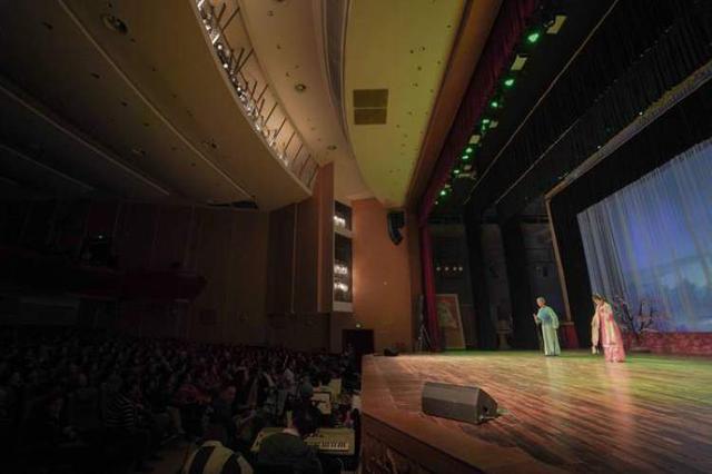浦东大年夜剧场正式启用 浦东文化艺术节沪剧周展演启动