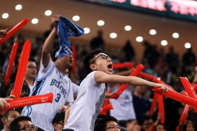 CBA联赛上海队87:106惨败于山西队  外援纳纳利得21分
